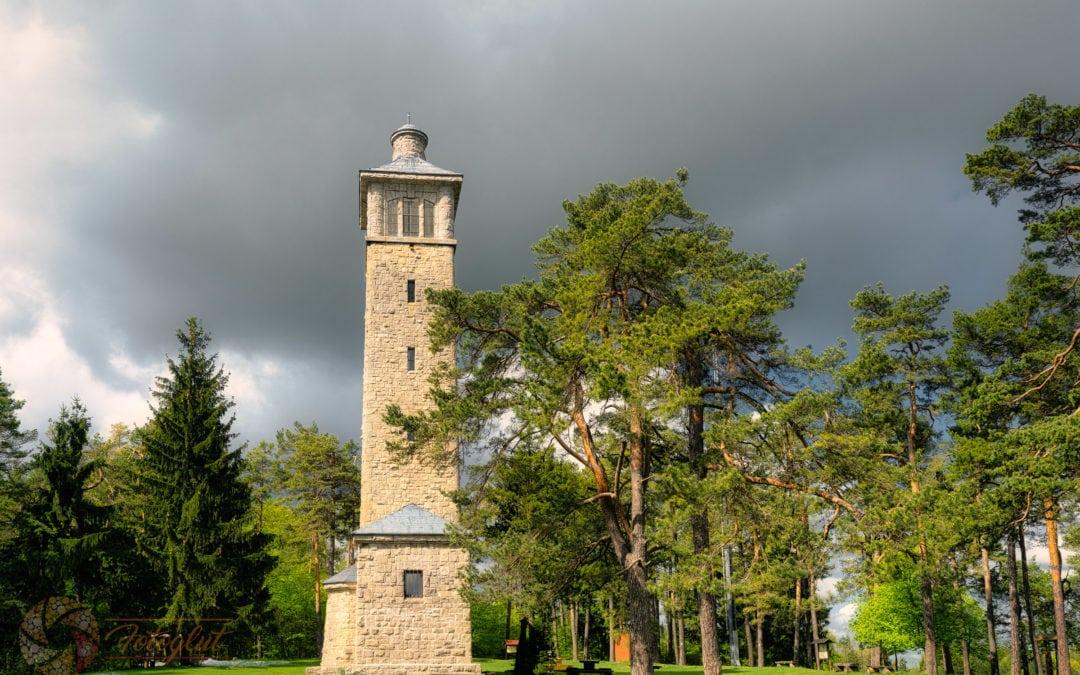 """Carolinturm – Foto von unserer """"2 Türme Wanderung von Kiliansroda"""" aus."""