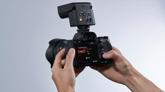 HVL-F28RM auf einer Sony a7mr4 mit einem SEL 24 F 1.4 GM