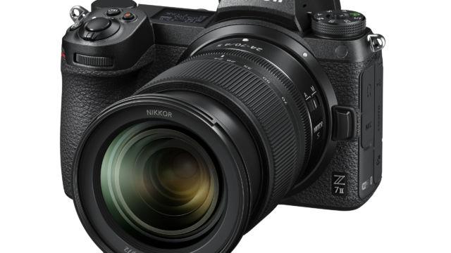 Nikon Z7II - mit 24-70 F/4 in 3/4tel Ansicht